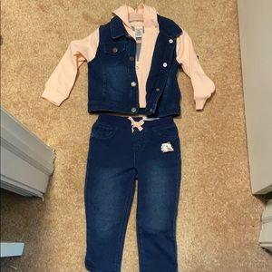 NEW Okie dokie 2 piece set size 18 months